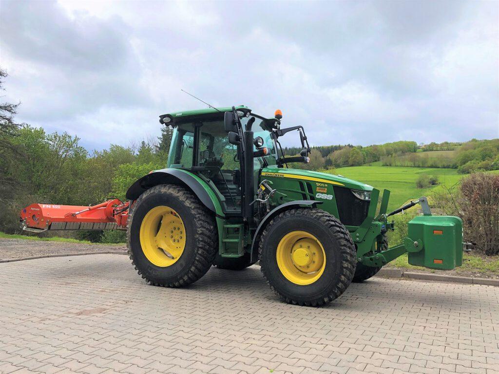 Agrimaster FN200 Mulcher an unserem neuen John Deer 5100R Traktor